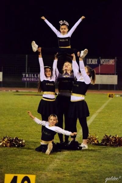 Les cheerleaders en pleine représentation.